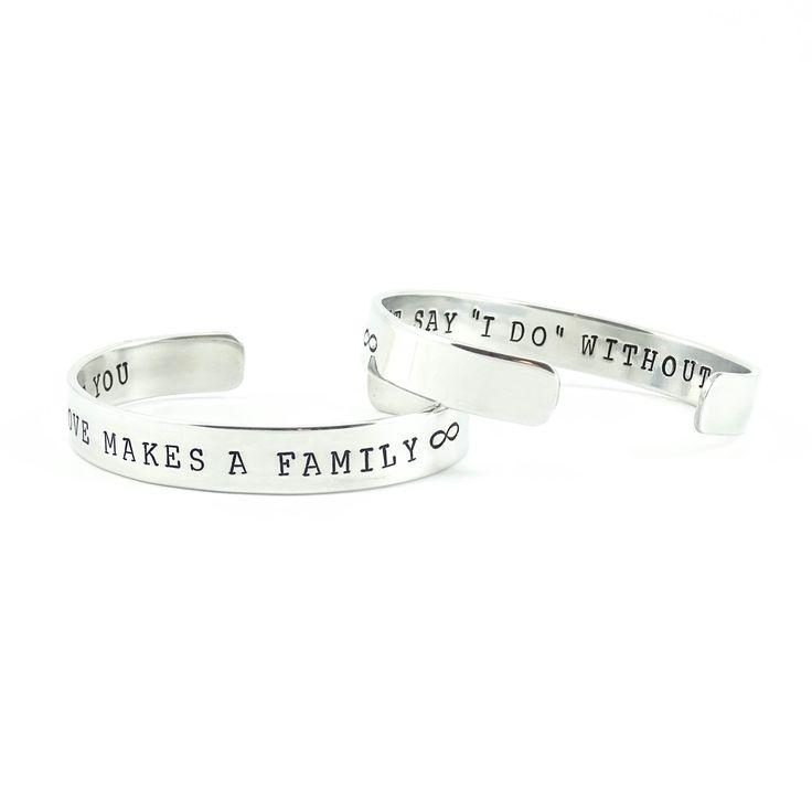 Love makes A family - I can't say I do without you. Een bijzonder setje gepersonaliseerde armbanden gemaakt voor een aanstaande bruid als cadeautje voor haar moeder en zus.