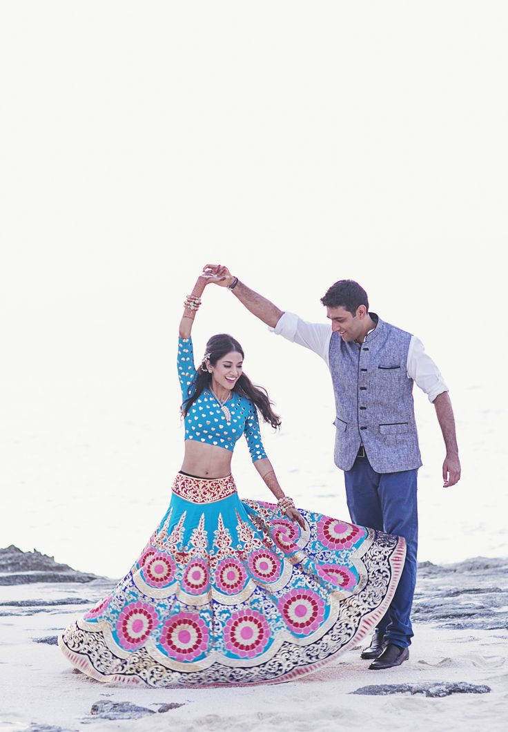 Boho-Chic Mehndi Party With Traditional Indian Outfits