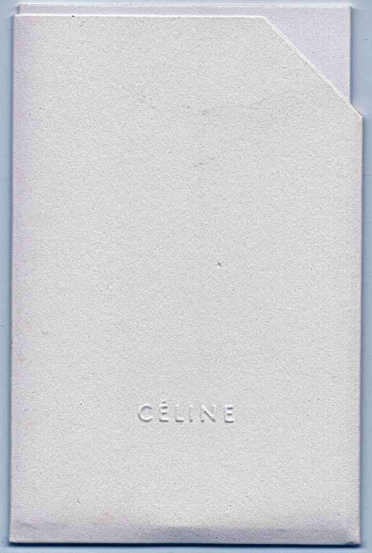 #stationaryobjects: #Celine insert