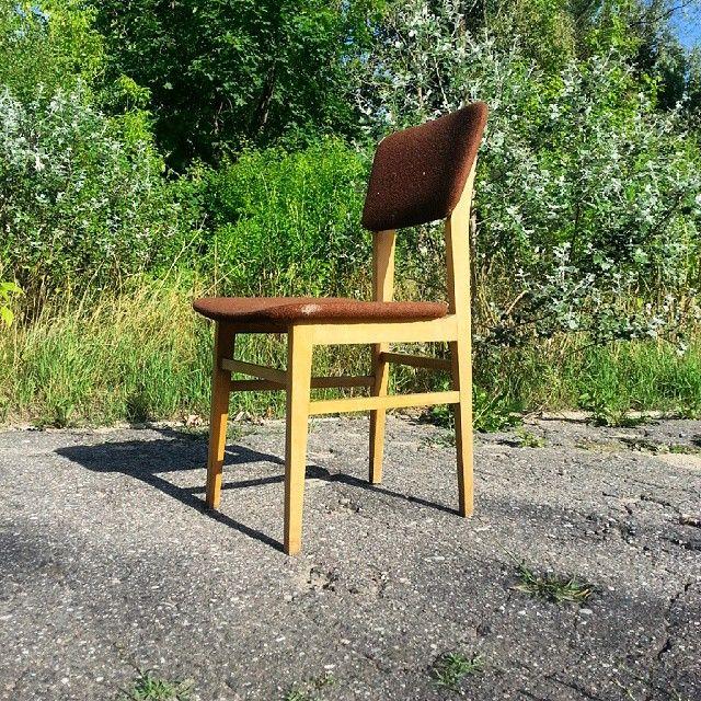 Nice midcentury chair Grudziądzkie Zakłady Meblarskie Typ DANA T Rok produkcji 1969  #vintage #interiors #industrial #design #loft #retro #vintageshop #sklepvintage #poznan #midcenturymodern #midcentury #vintagestyle #brutfurniture #junkstyledesign #chair #krzesło #stuhl #upcycle #antiques #brocante #old #60s #lata60te #60erjahre #60er #wnętrza