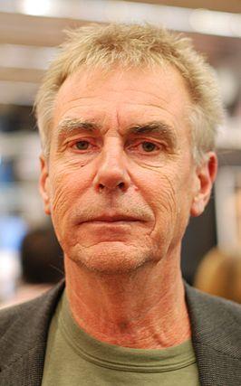 Per Håkan Stefan Nilsson (Möllevången (Malmö), 13 februari 1954) is een Zweeds jeugdboekenschrijver. Na zijn middelbare school begon Nilsson een studie wiskunde en later ook een studie muziek. Nadat hij beide studies had afgerond, werd hij docent op een middelbare school. In 1988 verscheen zijn eerste boek. In 1999 stopte hij met zijn werk als leraar om zich volledig te wijden aan het schrijven van jeugdboeken.