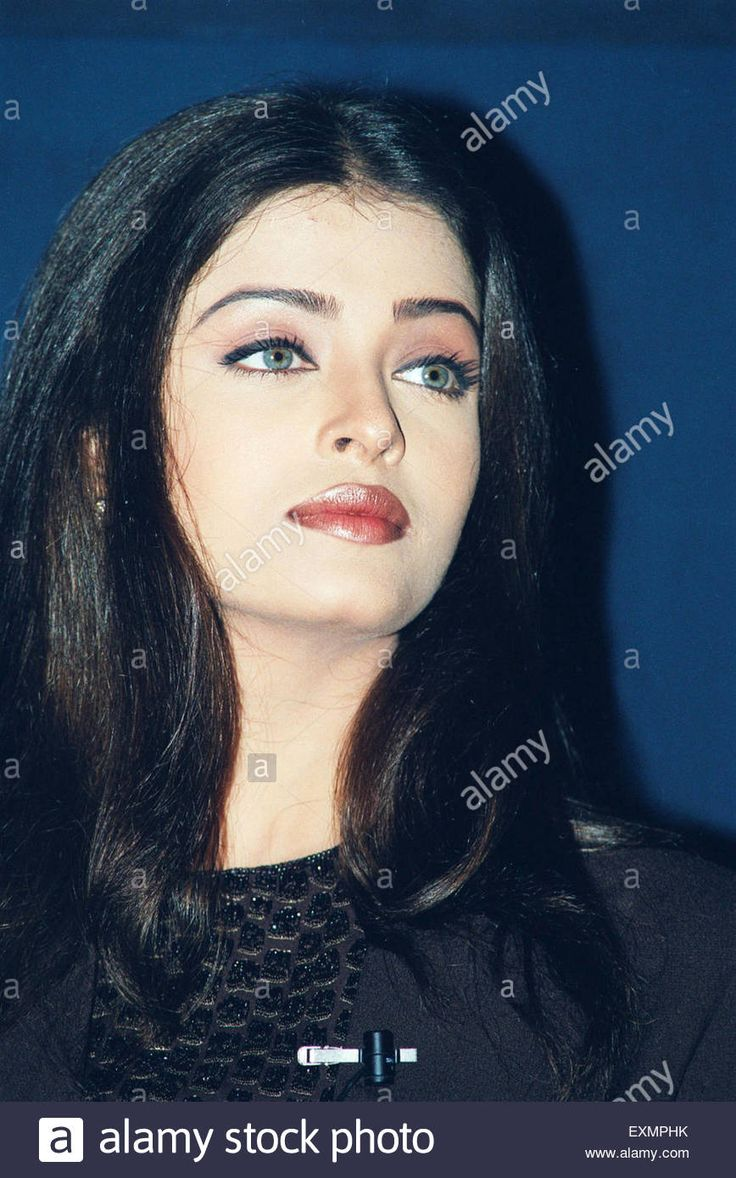 Download this stock image: Indian Bollywood actress and Miss World 1994 Aishwarya Rai Bachchan - EXMPHK from Alamy's library of millions of high resolution stock photos, illustrations and vectors.