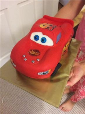3D Lightning McQueen Cars Cake tutorial with how-to video and template by Ann Reardon Fondant Car Cake easy step by step tutorial #annreardon #boyscake
