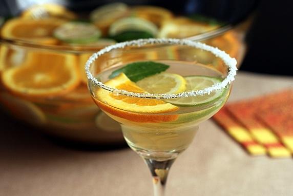White Citrus Sangria: Sparkle Margaritas, Sangria Cocktails, Parties Cocktails, Parties Drinks, Tasti Recipes, Margaritas Sangria, White Wine, Dinners Parties, Sangria Parties