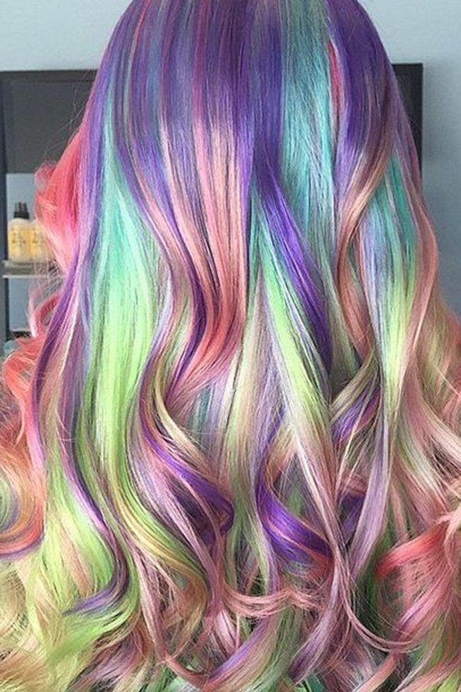 Haarige Farbexplosion: Diese kuriosen Haartrends machen den Sommer 2015…
