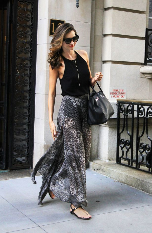 Miranda Kerr- Awesome skirt!