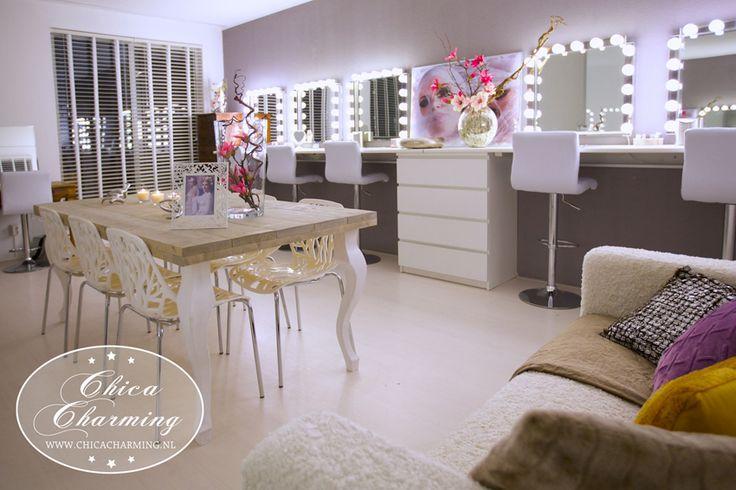 Make-up studio and photo studio  in Amsterdam.  - bruidsmake-up - Make-up workshops - Privé make-up training - Cursus basis visagie - Cursus extreme visagie - Bruidsmake-up - Fotoshoots - vrijgezellenfeestjes  www.chicacharming.nl www.reflektmedia.nl