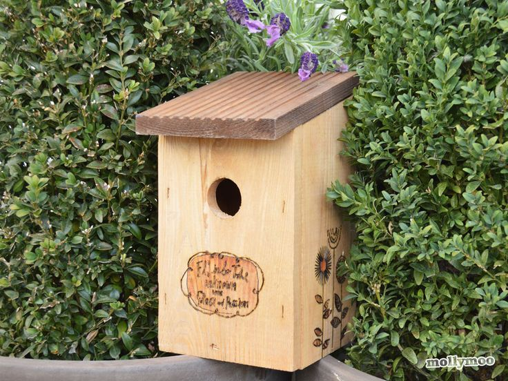 Birdhouse decorating ideas by Michelle McInerney of MollyMooCrafts.com  sponsored post