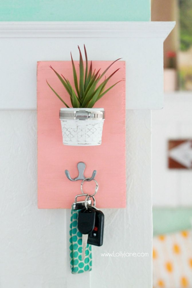 DIY Succulent Potted Mason Jar Key Holder |via LollyJane.com