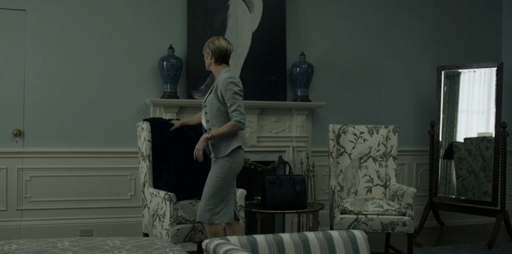 Yves Saint Laurent Sac du Jour bag used by Robin Wright in HOUSE ...