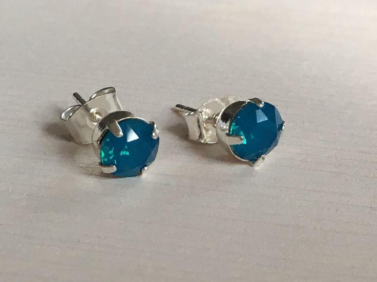 Caribbean blue opal Swarovski oorbellen
