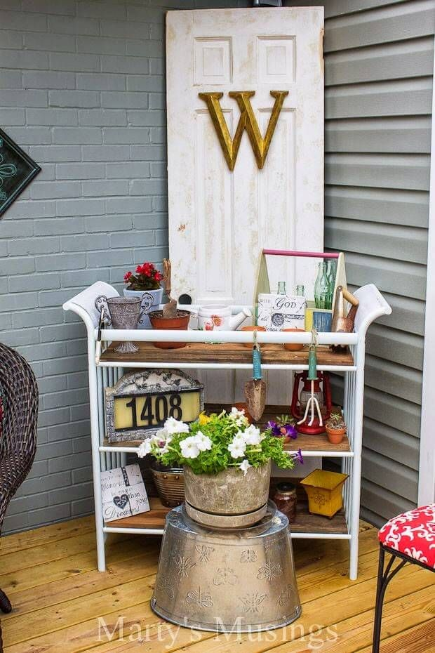 27 Creative Ways To Use Old Doors As Outdoor Decorations Old