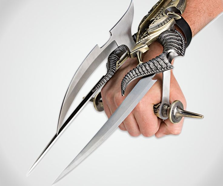 Alien Spiked Tri-Blade Hand Claw | DudeIWantThat.com