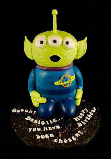 Squeaky alien from Toy Story Cake
