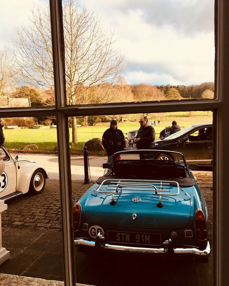 Classic Cars at @stanmerhouse in full flow. Loads of beautiful cars on show. Free admission. House and marquee open for lunch. #stanmerhouse #proudcountryhouse #classics #classiccar #classiccars #classiccarshow #classiccarmeet #stanmerchurch