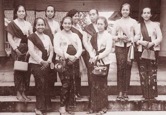 Ternyata Begini Penampakan Pakaian Suku-suku di Indonesia Tempo Dulu | YuKepo.com | YuKepo.com