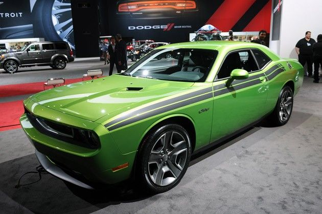 LOVE the 'green with envy' Dodge Challenger!