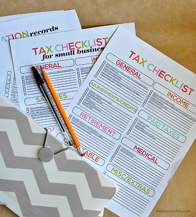 Tax Printables- easy checklists to help you prepare your taxes.  Everything is spelled out for you so you can gather the important stuff!