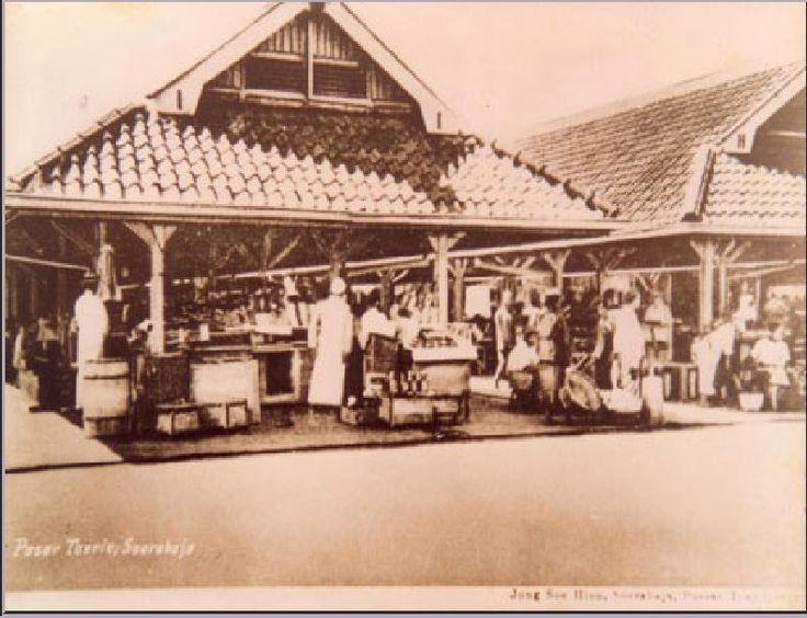 Pasar Turi, foto diambil pada tgl. 28 Oktober 1926.