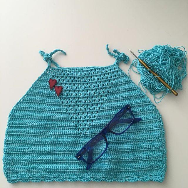 Bu da bitti, pazar gününü bekliyor Yağmur gelsin diye @birdamlacikyagmur #crochet #crocheted #crochetedtop #crochetlove #crocheting #crochetisfun #crochetismyhobby #tığişi #handmade #instacrochet