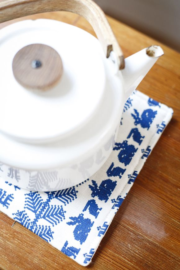 Heikki Orvola coffee pot. Saana ja Olli | The best hemp textiles. Made in Finland.