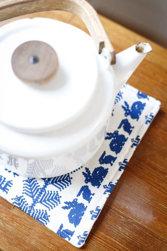 Heikki Orvola coffee pot. Saana ja Olli | The best hemp textiles. Made in Finland.
