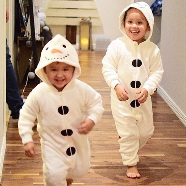 || L u c i a  Fler som ska vara snögubbar i årets luciatåg. Så grymt söta kläder och kul med nyheter i lussefirandet.  så sjukt varma och gosiga att ha som mysdress med.  Grabbarna älskade dem #barnrumsinspo #barnrumsinspotipsar #kappahl #snögubbe #barnkläder