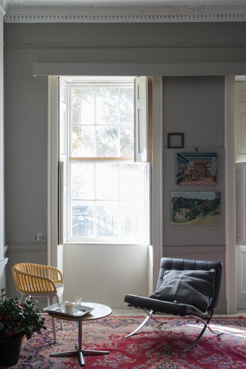 NEW FARROW & BALL COLOR This color brings to mind city suits made from the flat woven fabric Worsted, so named after the Norfolk village where the yarn was originally woven. For devotees of our Easy Neutrals family, this is stronger in tone than its counterpart Purbeck Stone but lighter than Mole's Breath. It's the perfect background to make clean accent colors pop.