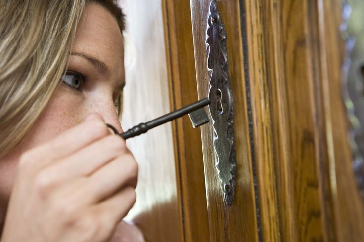 How to Unlock an Antique China Cabinet