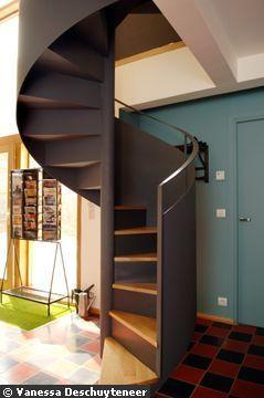 Relécture contemporaine de l'escalier à colimaçon