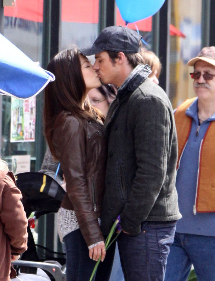 Kristin Kreuk and Jay Ryan kissed on the set of Beauty and the Beast in Toronto on Tuesday.