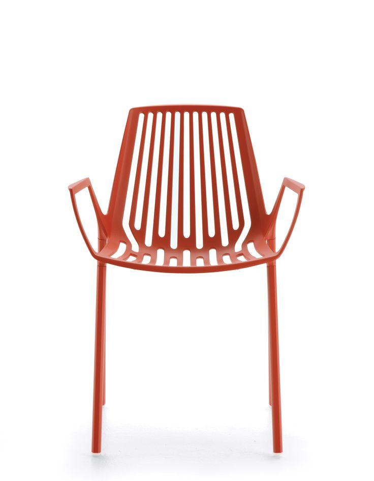 RION collection. Armchair in painted aluminium/ Poltrona in alluminio verniciato. FAST IN_OUT ALUMINIUM.