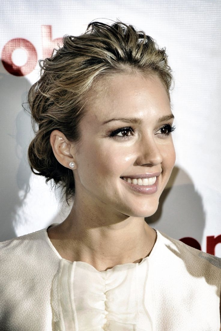 Jessica Alba Updo Hairstyles 50 Best Images About Jessica Alba On Pinterest Printed Pants