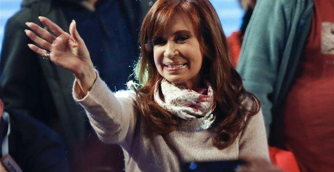 [Σκάϊ]: Στην κόψη του ξυραφιού η προσπάθεια επανόδου της Φερνάντεθ στην Αργεντινή | http://www.multi-news.gr/skai-stin-kopsi-tou-xirafiou-prospathia-epanodou-tis-fernanteth-stin-argentini/?utm_source=PN&utm_medium=multi-news.gr&utm_campaign=Socializr-multi-news