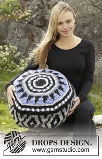 "Inti - Crochet DROPS pouffe with colour pattern in ""Eskimo"". - Free pattern by DROPS Design"