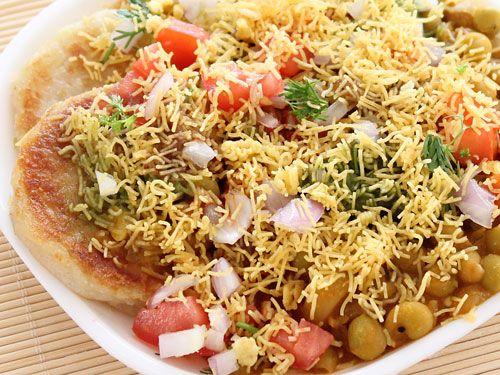 Potato Patties with Peas Curry and Chutneys (Indian Ragda Patties)