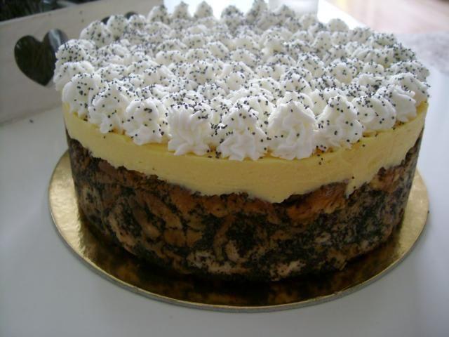 Mákosguba torta madártej krémmel, a legfinomabb karácsonyi desszert