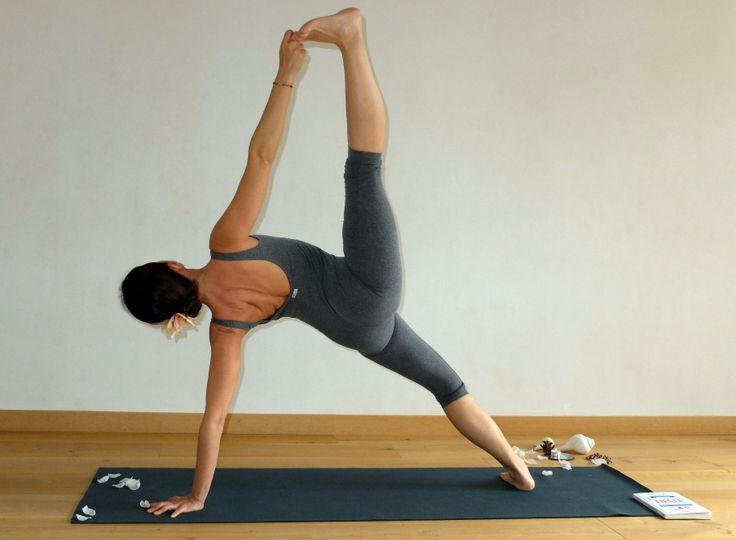 'Una fiesta para el alma' de Zaira Leal [URANO] #yoga #asana