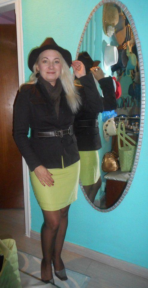 Ugye nem árulok el nagy titkot magamról ha azt mondom kalapmániás vagyok :D ... és tudjátok miért imádom az őszt??? Mert gátlástalanul hordhatom...