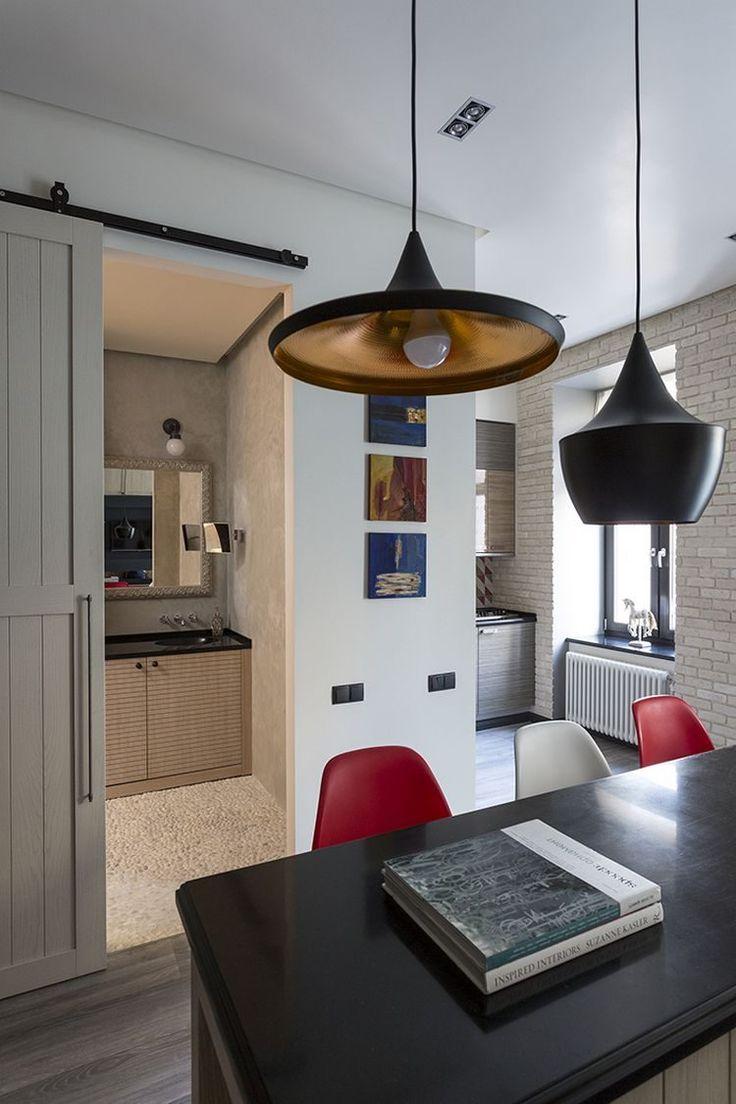 Gardrób, álkandalló és TV a nappali bútorban, kellemes természetes színek és anyagok - 43m-es lakás