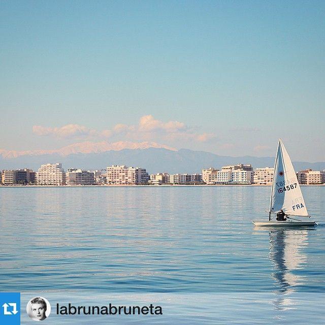 Buenos días- Bon dia - Bonjoir - Good morning - gràcies @labrunabruneta per compartir aquesta imatge amb #visitroses! ・・・⛵️ #sea #sail #blue #aroses #costabrava #visitroses #igersgirona #igerscostabrava #igerscatalunya #clikcat #descobreixcatalunya #catalunyaexperience #picoftheday #incostabrava #beach #badiaderoses #mediterranean