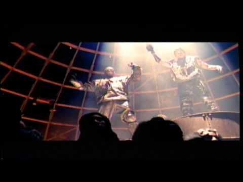 Pour avoir un aperçu de la tendance hiphop à cette époque là : 2Pac Featuring Dr. Dre - California Love - YouTube