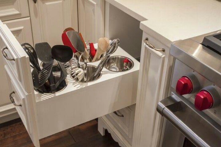 Then you don't have greasy dust on your utensils that would normally be on the counter!