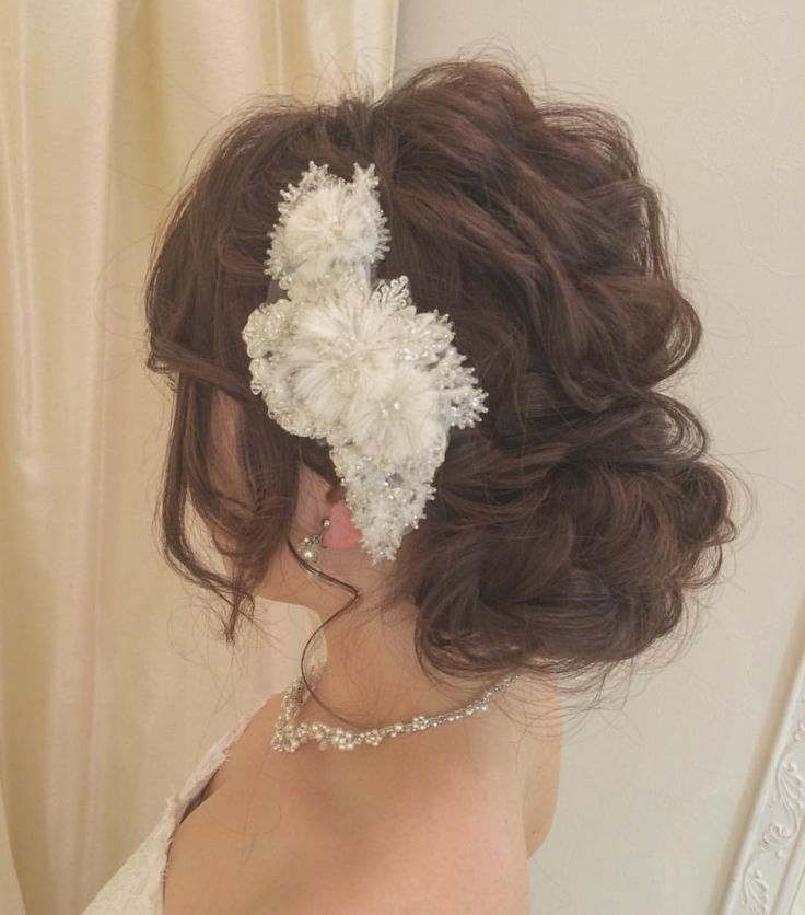 いいね!68件、コメント1件 ― @rejouir.bridal_hairのInstagramアカウント: 「. フワフワが可愛いヘッドです♡ グローブのファーに合わせて冬コーデです´͈ ᵕ `͈ ♡°◌̊ . . . #rejouir#rejouirhair #hairstyle#hairmake…」