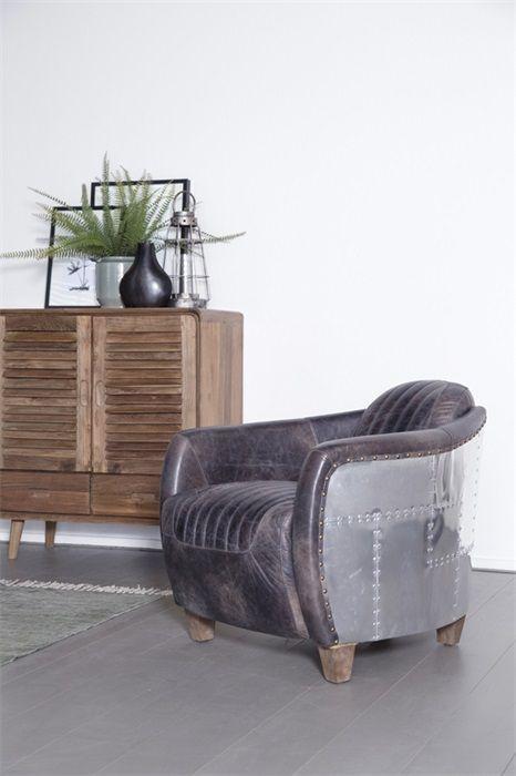 Super stoere stoel van echt leer en aluminium!
