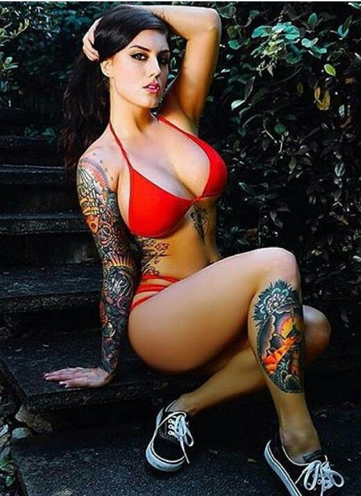 hot tattoo chicks