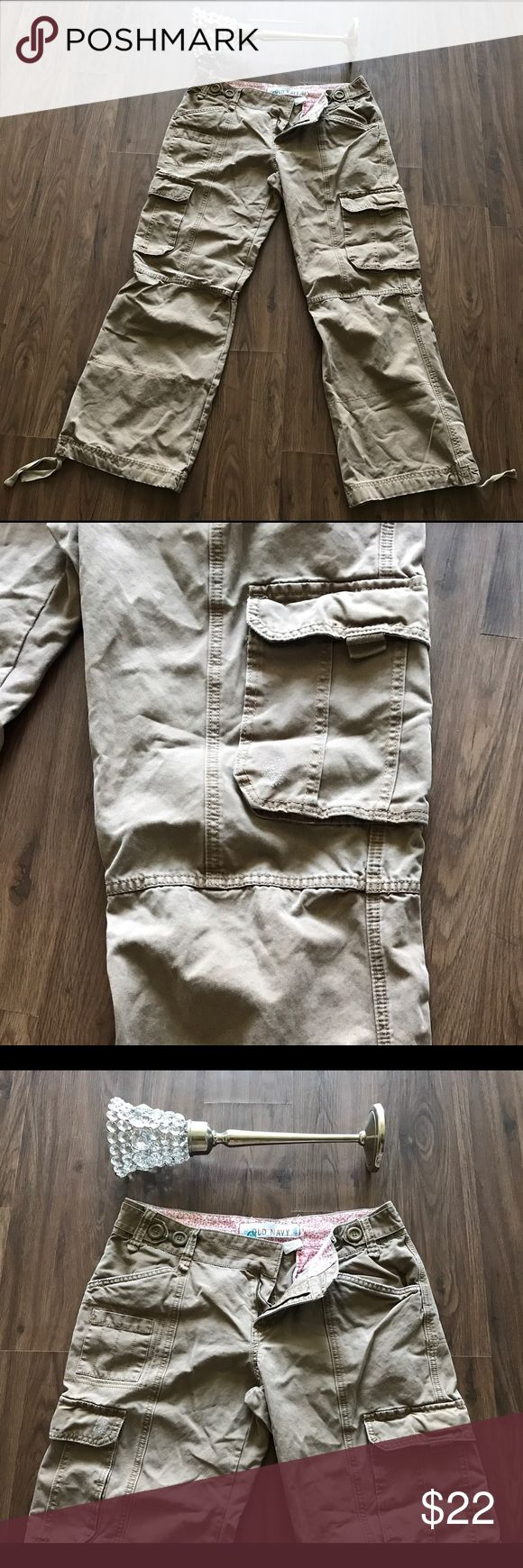 Womens Old Navy Ultra Waist Cargo Pants Size 14R Old Navy Cargo Pants, Ultra Low Waist, Size 14 Regular, Brown, Comfortable Wear, 100% Cotton, Gently Used/ Like New. Cute Pants. Old Navy Pants