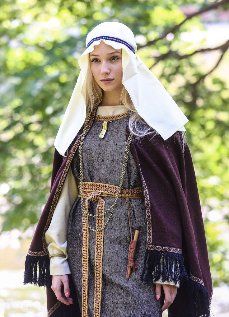 traditional clothing in lithuania essay Culture of lithuania - history, people, clothing, traditions, women, beliefs, food, customs, family ja-ma.