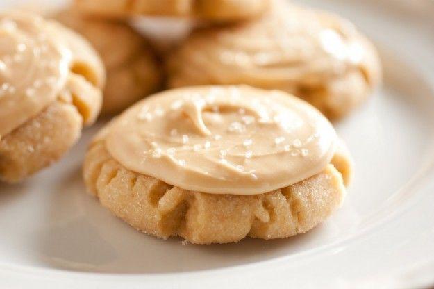 Biscotti con pasta frolla con burro di arachidi
