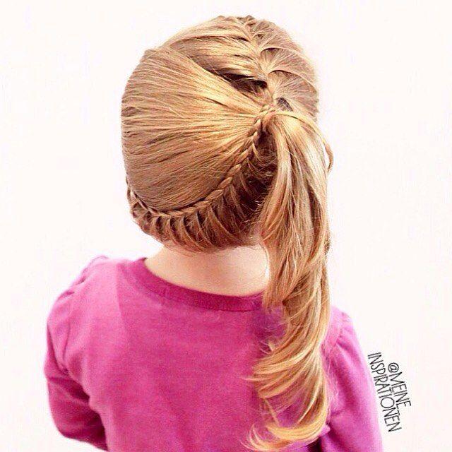 Top 100 cute girl hairstyles photos A French braid in a side ponytail. And a French lace braid from behind🎀 ~~~~~~~~~~~~~~~~~~~~~~~~~~~~~~~ Ein französischer Zopf in einen seitlichen Pferdeschwanz. Und flechtakzente von hinten🎀 ~~~~~~~~~~~~~~~~~~~~~~~~~~~~~~~ #frisuridee #flechtidee #flechtfrisur  #frisur #mädchenfrisur #kinderfrisur #geflochtenehaare #geflochtenerzopf #schönerzopf...